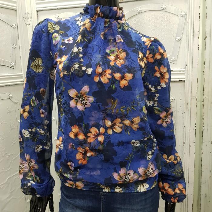 Дамска елегантна блуза на цветя с ефирни ръкави и шал яка-2393