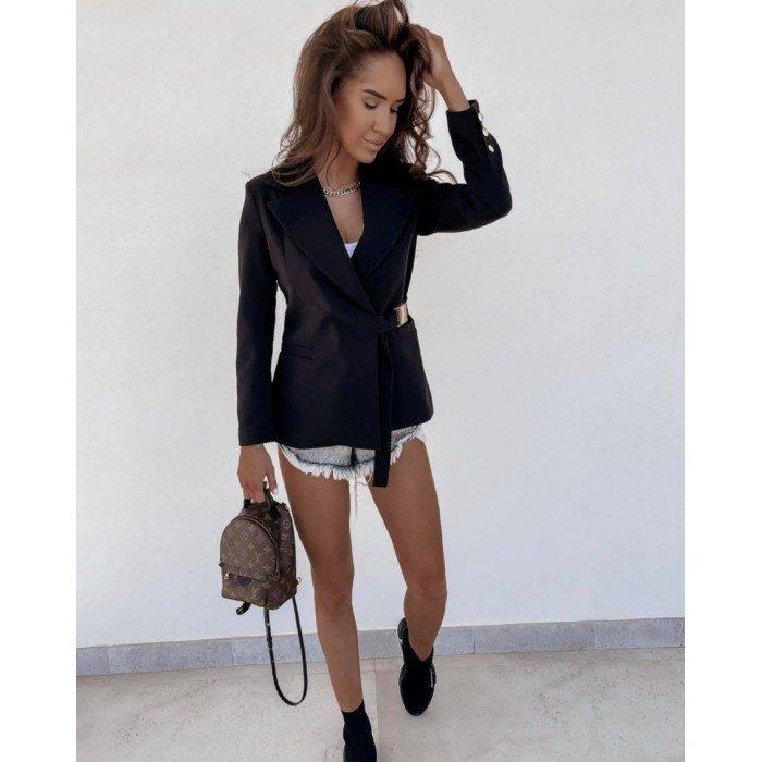 Дамско елегантно сако в черно цвят и ефектно закопчаване-467