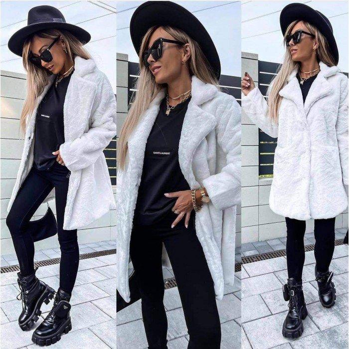 Бяло пухкаво дамско палто с ревер яка-4154