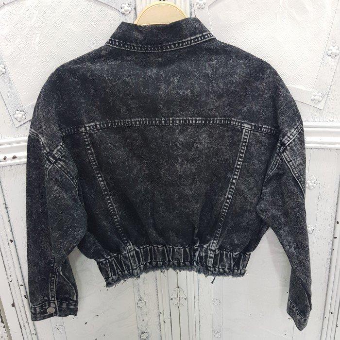 Дамско дънково яке в черен цвят със захабен ефект и ластик в долната част-2442