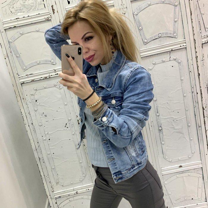 Дамско дънково яке в син цвят с накъсан ефект-287