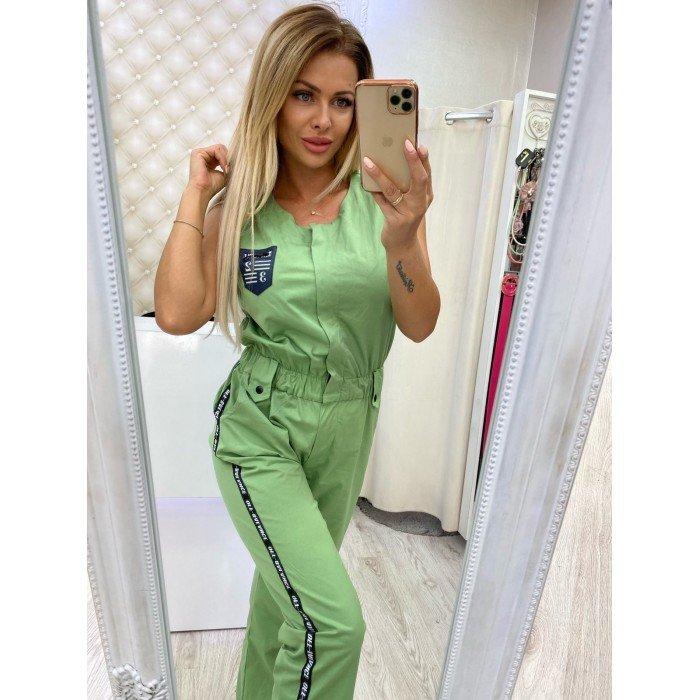 Зелен спортно-елегантен дамски гащеризон декоридан с ефектен кант с надписи-4046