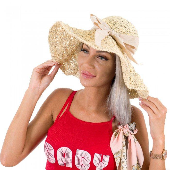 Лятна сламена шапка в свеж цвят с акцент панделка-1